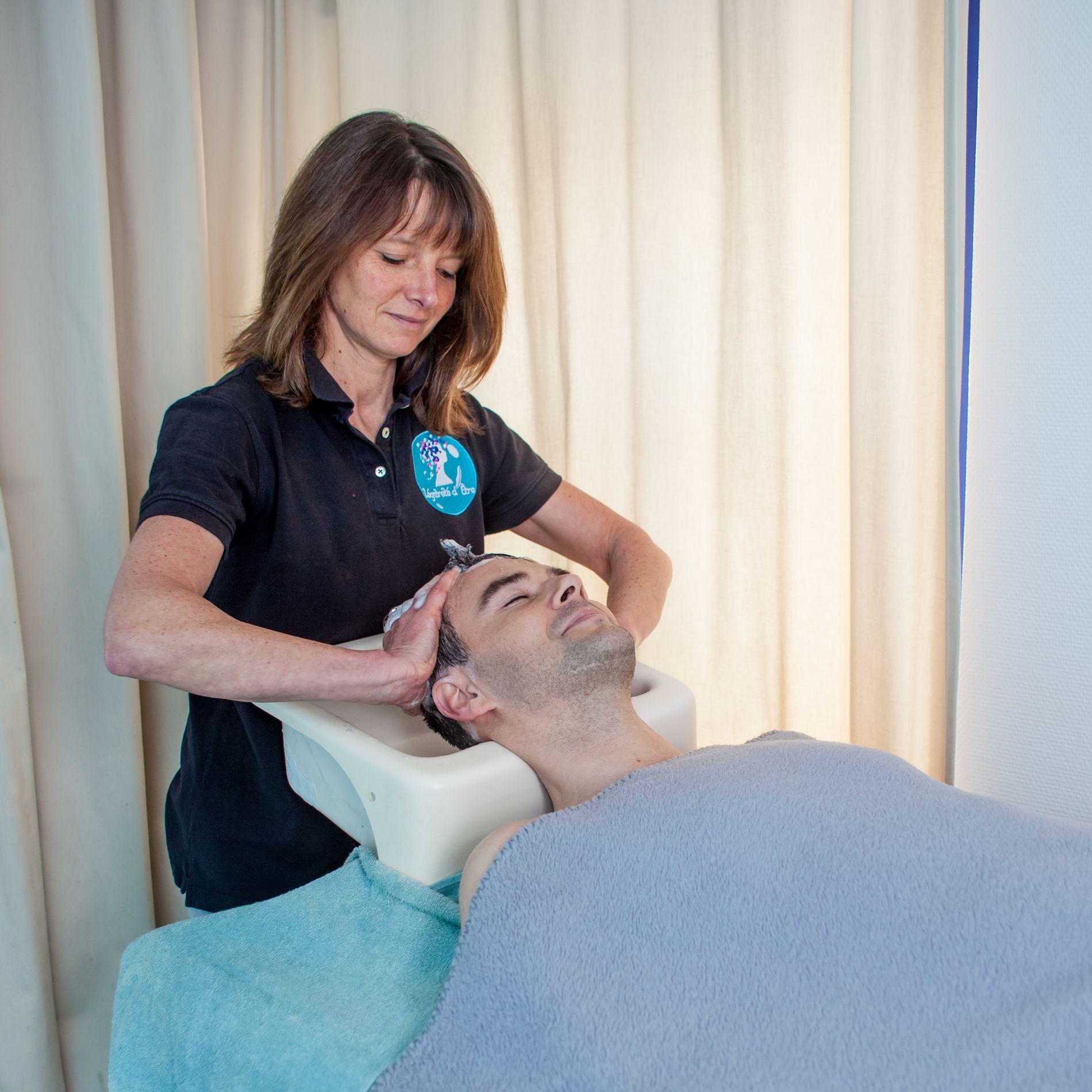 Shampooing massage détente allongé