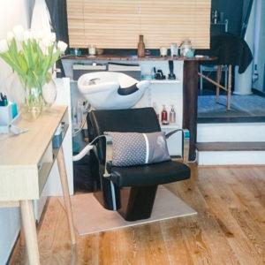 Légèreté d'Être propose un shampoing allongé ou au bac selon la prestation
