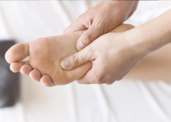 Massage bien-être relaxant des pieds par Légèreté d'Être