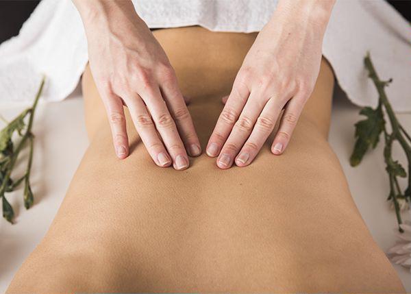 Massage bien-être relaxant du dos par Légèreté d'Être